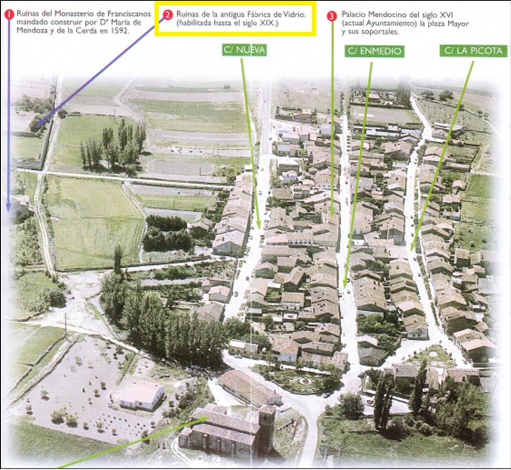 Resultado de imagen de Tamajón Ayuntamiento, ubicado en el Palacio de los Mendoza de estilo plateresco y del siglo XVI.